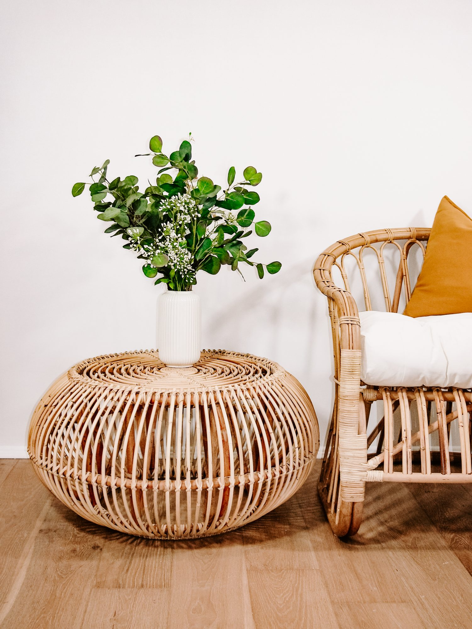 - Basic Round Rattan Coffee Table With Glass Top Coffee Tables